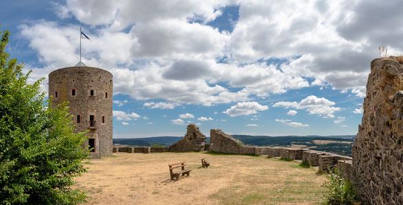 Aussichtsturm auf der Ruine der Hohenburg