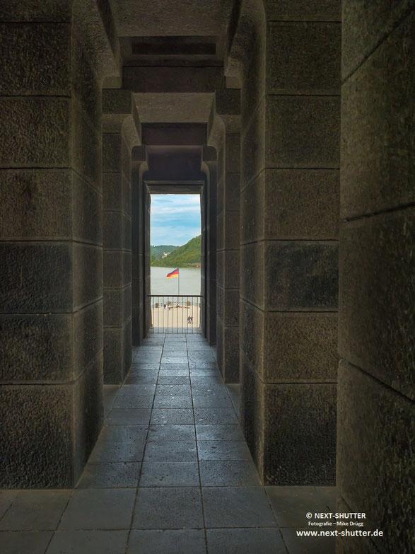 Im Monument / Inside the monument