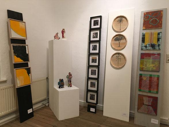 li. Seite; Form, Farbe, Intensität, mixed media, 3 x 30x30, 2019, Accrochage 13, Galerie 149, 2019