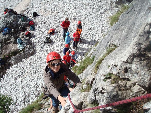 Beim Klettern in der Nähe der Gampenalm im Südtiroler Villnößtal