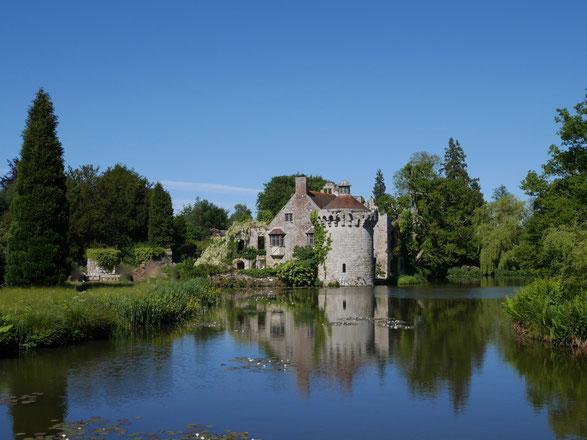 England Scotney Castle, der Herrensitz aus dem 12. Jahrhundert