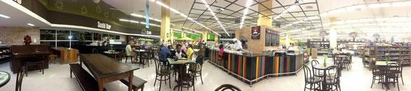 """Giovanna im Supermarkt """"Pão de Açúcar"""" (Leblon)"""