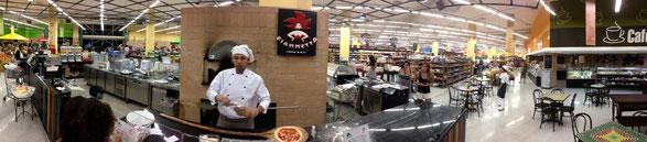 Pizzabäcker im  Supermarkt