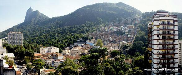 """pazifizierte """"Vorzeige-Favela"""" und Touristenattraktion Dona Marta (Botafogo)"""