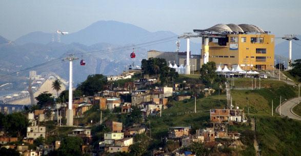 """Die """"Teléferico"""" beim Complexo do Alemão"""