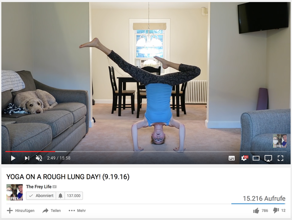 Yoga: Der zusehende Hund (Screenshot YouTube)