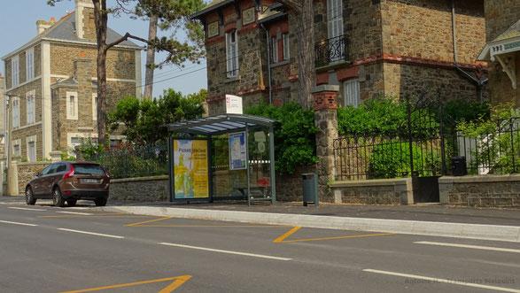 Arrêt de bus Chateaubriand, desservi par les lignes 4 et 8