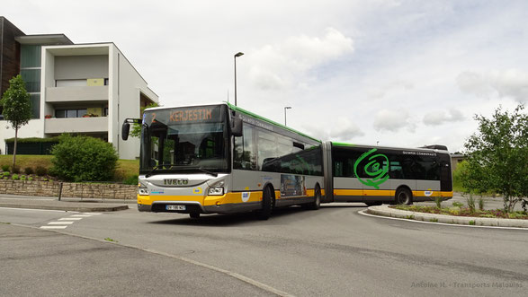 Iveco Urbanway 18 du réseau QUB engagé sur la ligne 2 du réseau en destination de Kerjestin.