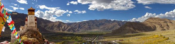 TIB02 - Tibet, Kloster Yumbu Lakhang (Palast des 1. Tiebetischen Königs, heute Kloster)