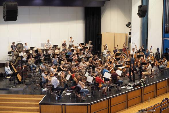 das Bundesschulmusikorchester 2018 im Konzertsaal der Staatlichen Musikhochschule Trossingen