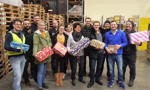 Freiwillige Helfer - Weihnachtspäckchenkonvoi 2018 - Fleischmann Mietwäsche