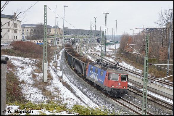 Mit Dgs 98618 nach Altenburg durchfährt 421 373-2 am 16. Januar 2016 Chemnitz Hbf.