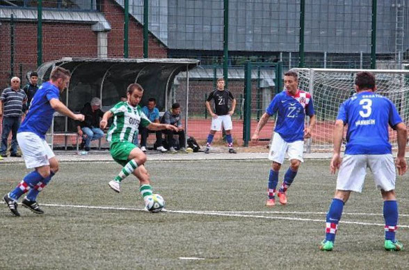 Pascal Wasow (grünes Trikot) sorgt durch eine Fair-Play-Aktion im Fußballkreis für positive Schlagzeilen.