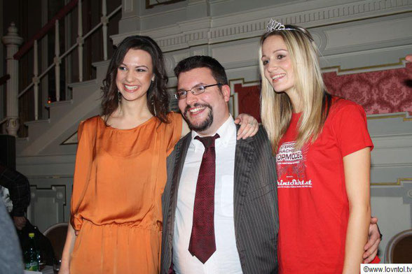 from left to right: the serbian model Aleksandra (booked for a job with Chanel in New York, booked 2 times for Fashionweek in New York), our director Dominik and the austrian model Melanie (booked in Milan & Paris, also booked for Milan Fashionweek)