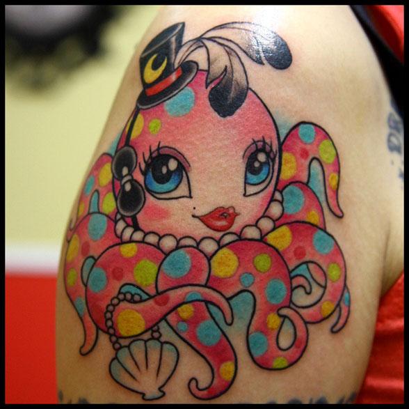 水玉模様のタコのタトゥー