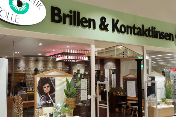 Schaufenster von Augenoptik Tölle Paderborn. Hier bekommen Sie Brillen, Kontaktlinsen und Sonnenbrillen und befindet sich im real, Südring Center Paderborn