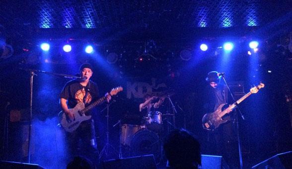 千葉県 K's Dreamでライブをしている九十九プラネット
