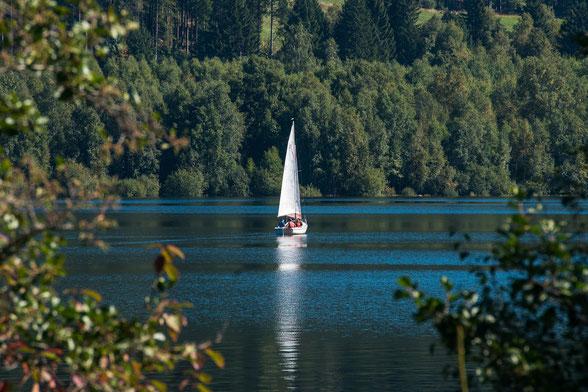 idyllisch gelegen lädt der Schluchsee zum Verweilen ein