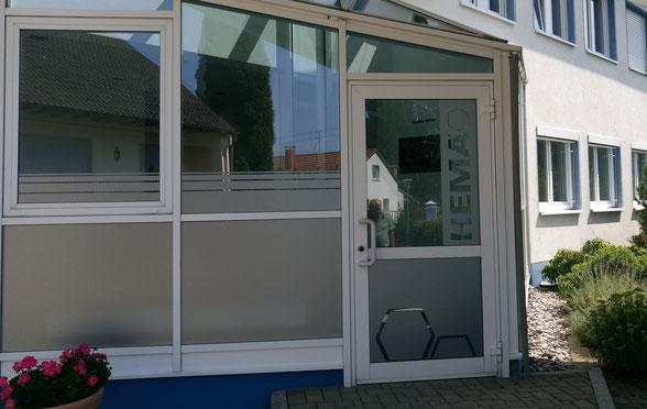Glasdekorfolie Fetzer Beschriftungen Balingen Tuttlingen Spaichingen Rottweil Villingen-Schwenningen