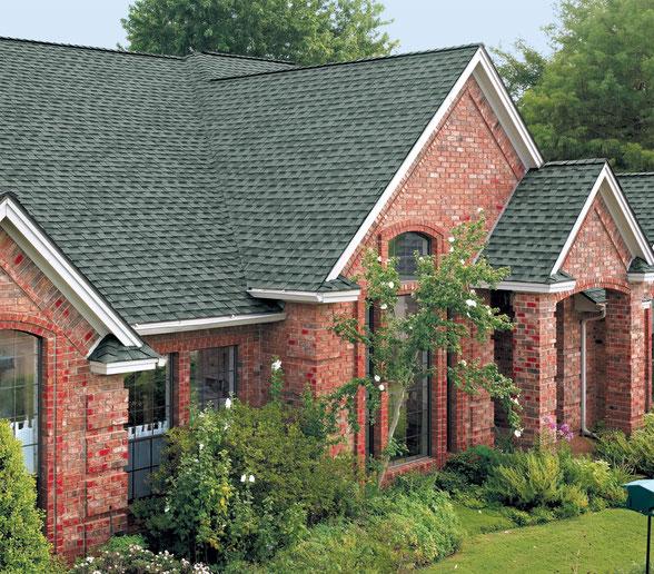 Dom pokryty gontem, gont, gonty, GAF, Timberline HD w kolorze Slate
