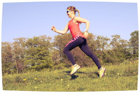 Beim Laufen kann der Fokus auch auf Schrittfrequenz und Armarbeit gerichtet werden