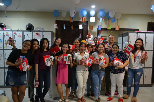 Teacher's Dayの当校(ウィル)教師たち:とにかく明るく陽気&いつも笑顔のフィリピン人です