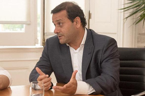 El gobernador de Misiones, Oscar Herrera Ahuad, con la mejor imagen a nivel nacional por el buen manejo de la pandemia en su provincia.