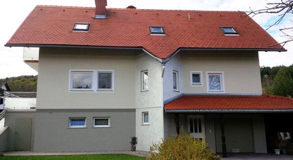 Fassadengestaltung  -  Erker mit Metallicmaterial
