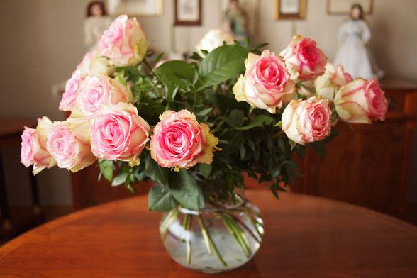 Vase Blumenstrauß Blumen Rosen
