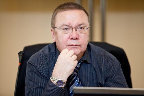 Виктор Болотов