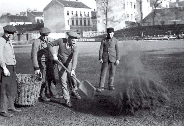 Aufbruchsstimmung nach überstandenen Krieg und schwerer Krankheit zeigte sich in Wien durch Errichtung des neuen Wacker-Platzes