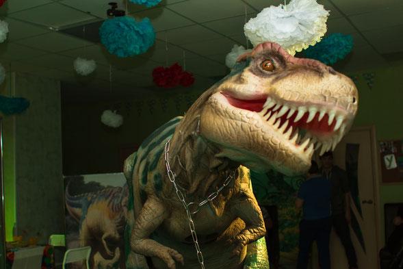 квест с динозавром на детский праздник и день рождения в Москве