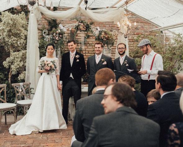 Freie Trauung Bayern, Hochzeit Gärtnerei München, Freier Trauredner Bayern, Hochzeitsredner, Strauß und Fliege, Hochzeitsblog, Heiraten in München