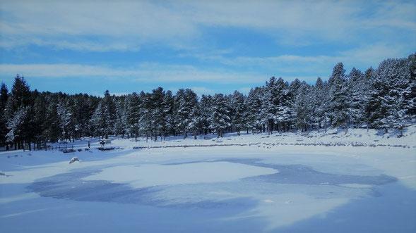 Estany de Ticó amb raquetes de neu