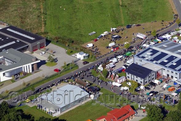 Das 2. Historische Motorradrennen im Gewerbegebiet Schirum