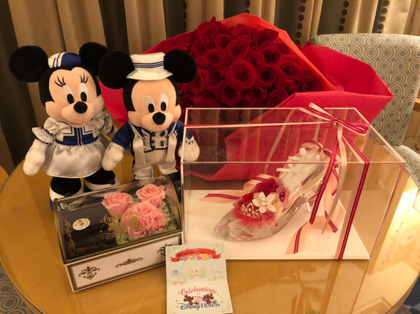 ディズニープロポーズ 108本の薔薇 プロポーズの花束 アンバサダーホテル プロポーズ ミニールーム ガラスの靴 シンデレラ プリザーブドフラワー 花屋 オーダーフラワー シュシュ 舞浜 浦安