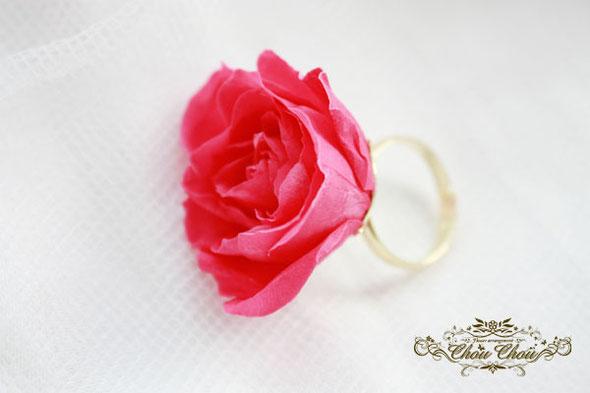 プロポーズ 花束 コンラッド東京 ダズンローズ プリザーブドフラワー 薔薇 フラワーリング プロポーズリング リングホルダー オーダーフラワー 花屋