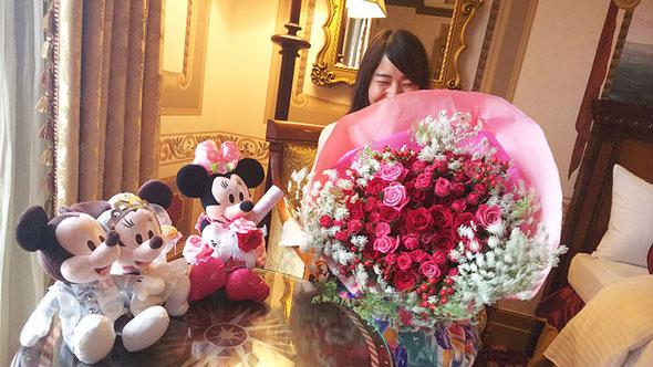 ディズニー プロポーズ バラ 花束 ミラコスタ オーダーフラワー  シュシュ chouchou