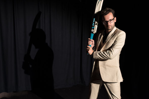 Henry, played by Matthias Wellner, uses a cricket bat supplied by the Winterthur Cricket Club
