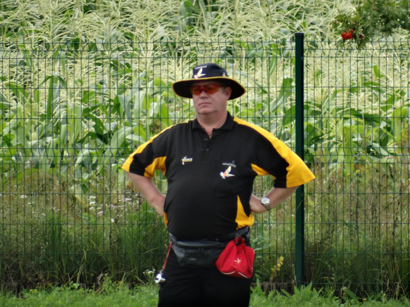 Alex Mackay umpiring in Warsaw in 2016