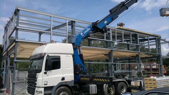 Baustelle Stuttgart-Schorndorf 2018 - Erdgeschoss und Obergeschoss mit Balkon und Carport-Anbau