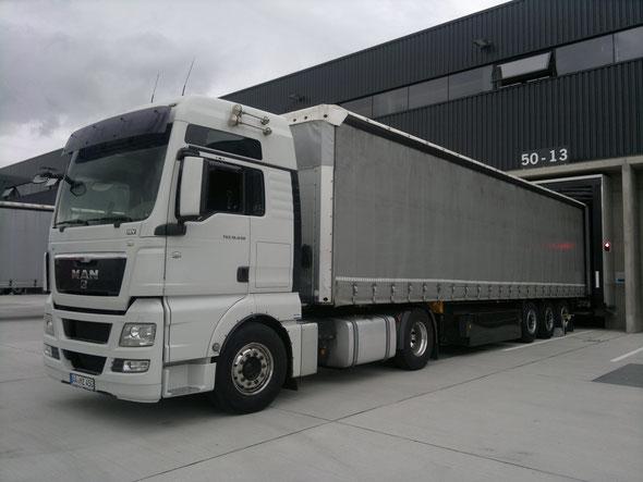 Unsere MAN-TGX 440 STANDARTZUGMASCHINE mit Schmitz-Cargobull Tautliner.