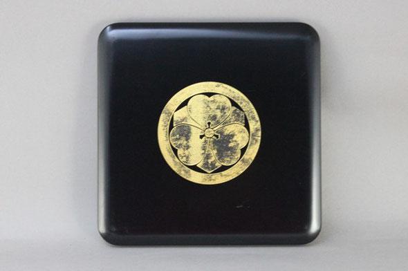 重箱のふた 沈金の金箔貼り直し
