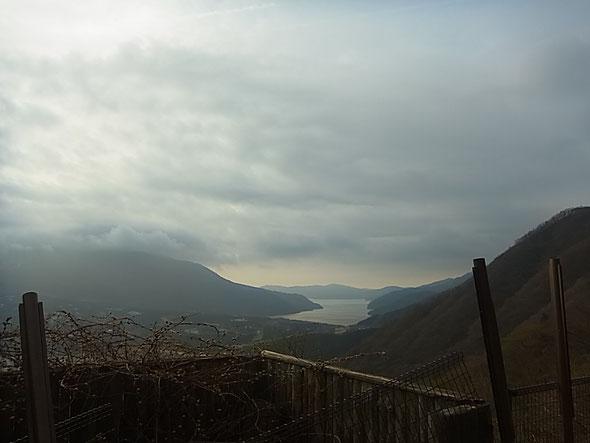 長尾峠から芦ノ湖