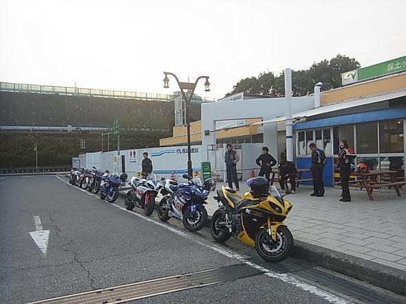 第3京浜 保土ヶ谷PA AM5:30