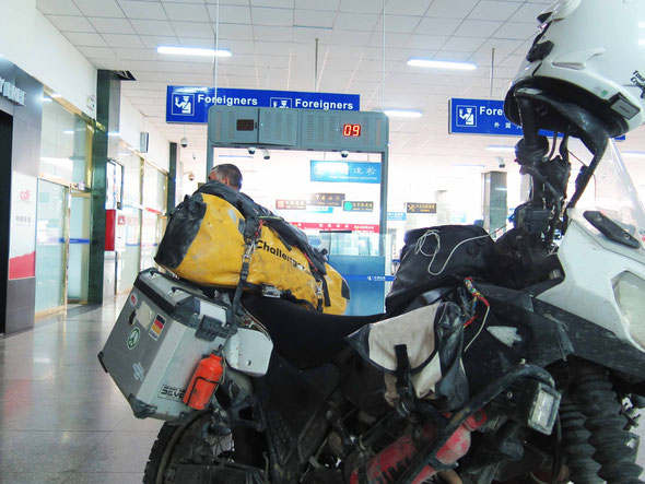 the bikes are hand luggage