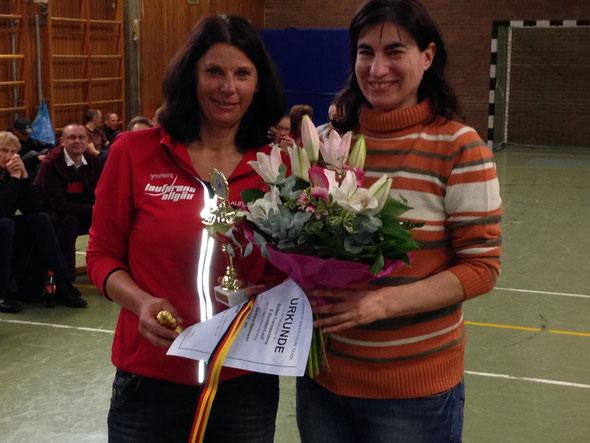 Barbara Mallmann gewinnt den 6h-Lauf in Nürnberg bei den Damen sowie in ihrer Altersklasse. Herzlichen Glückwunsch!