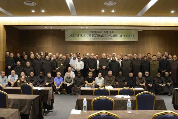 Foto dei partecipanti al DEFINITORIO STRAORDINARIO del 2014 in Corea
