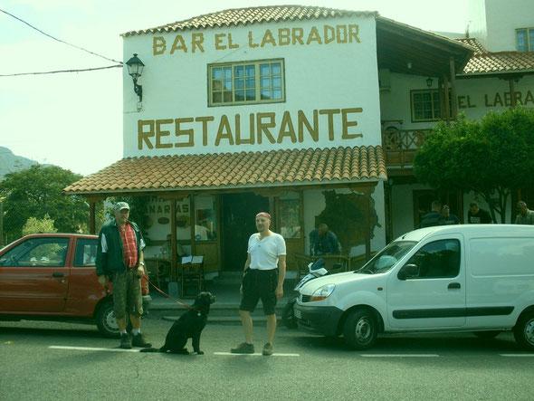 Ayla lebt in den Wintermonaten mit uns auf Gran Canaria, hier ein Restaurant in Fataga, das wir gerne wegen des Namens besuchen