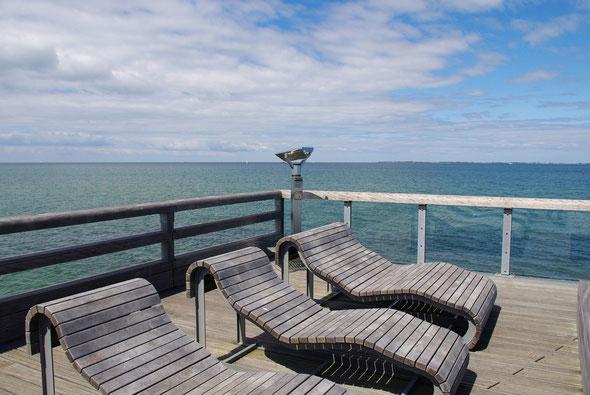 ... bietet dem Urlauber Orte der Ruhe (Liegen sehr bequem trotz massiver Eiche!),